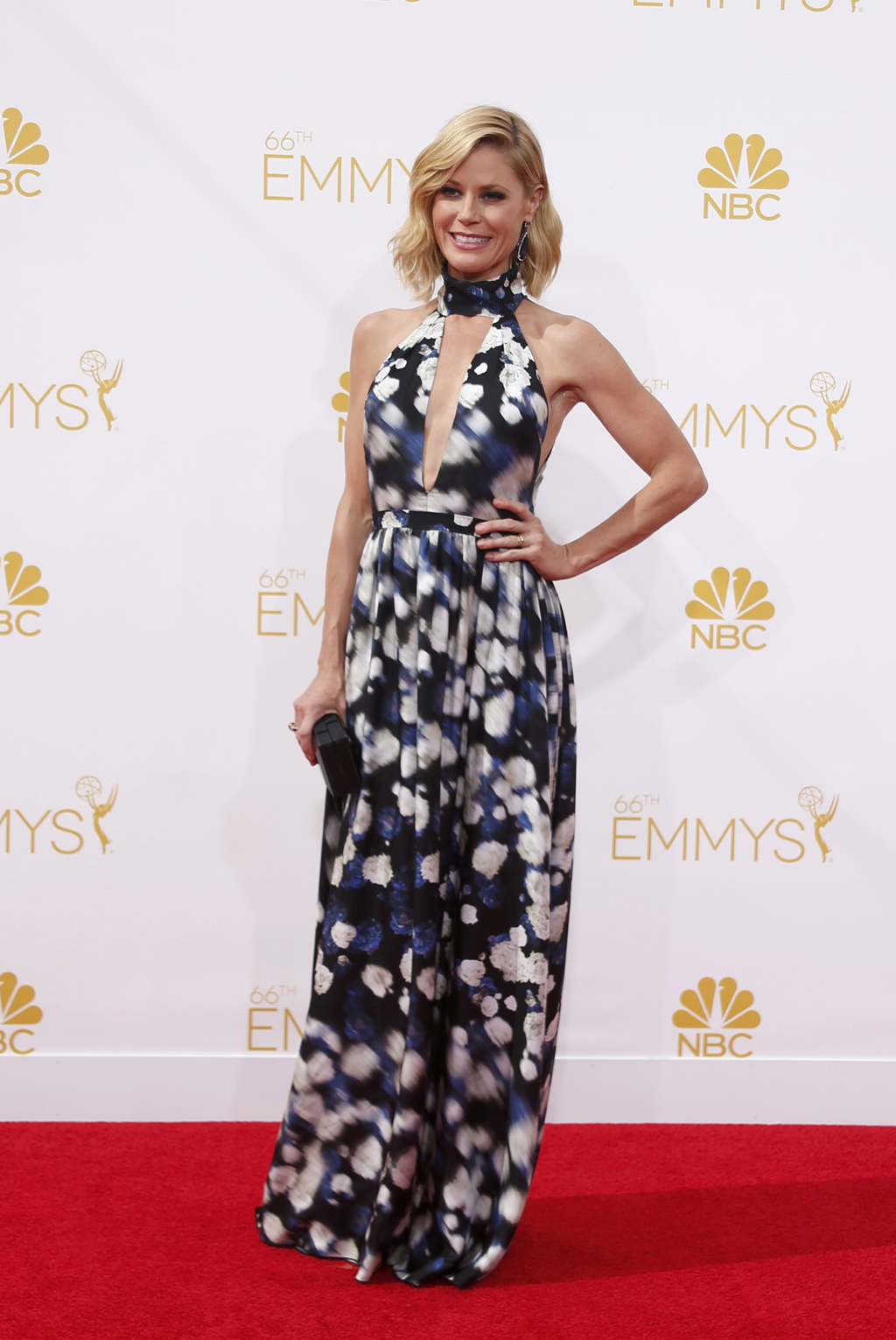Julie Bowen arrives at the 66th Primetime Emmy Awards in Los Angeles